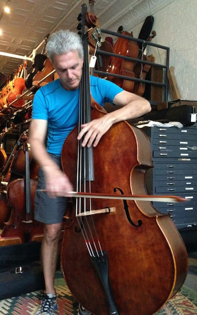 Tim Cobb. Principal Doublebass of New York Philharmonic, Doublebass Department Chair of the Julliard School, and happy owner of Lloyd #28.